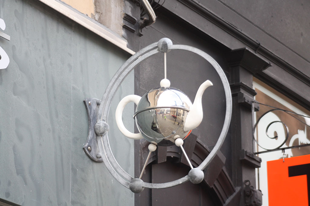 New 'teapot' sign for Victoria's Café, 15 King Street